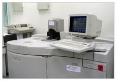 看大圖:VITROS 950 全自動生化分析儀(另開新視窗)